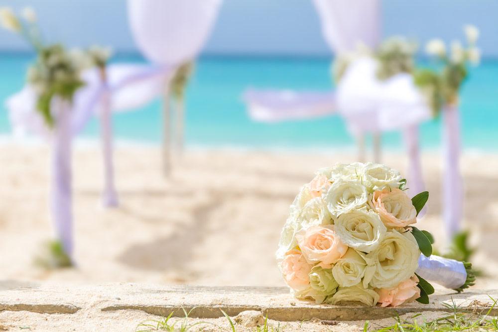 bigstock-beautiful-bridal-bouquet-on-we-79652611